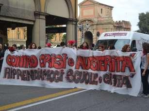 March in Bologna (via Indipendenza)